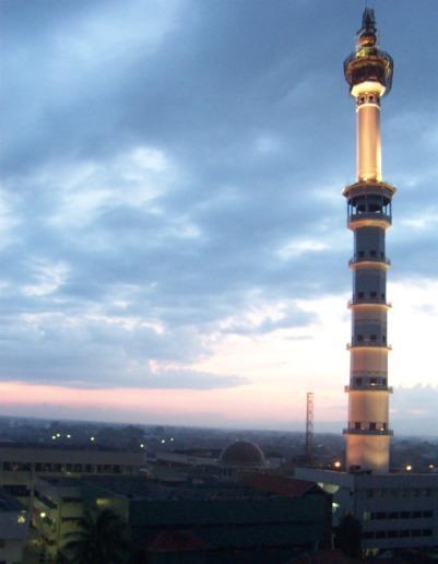 Menara Asmaul Husna Kediri (Malam Hari)