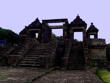 Gerbang Kedua Istana Ratu Boko