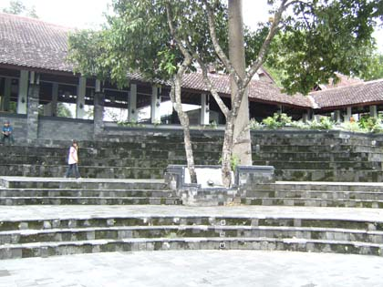 Restoran Istana Ratu Boko