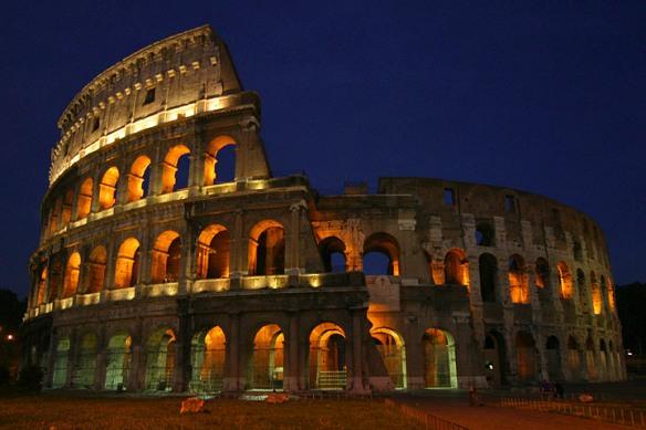 Koloseum Malam Hari